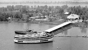 The SS Ste. Clair Boblo steamer arrives at the popular amusement park